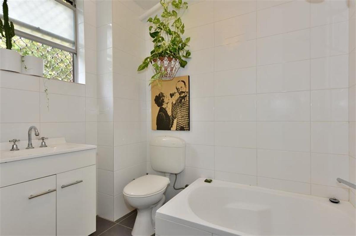 2 99 Ninth Avenue Maylands 6051 Western Australia Australia