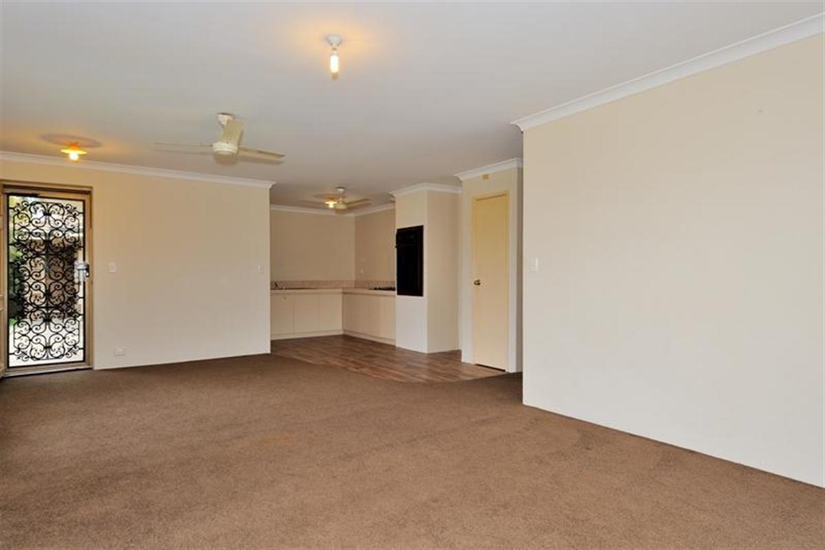 4 11 Hyde Street Midland 6056 Western Australia Australia