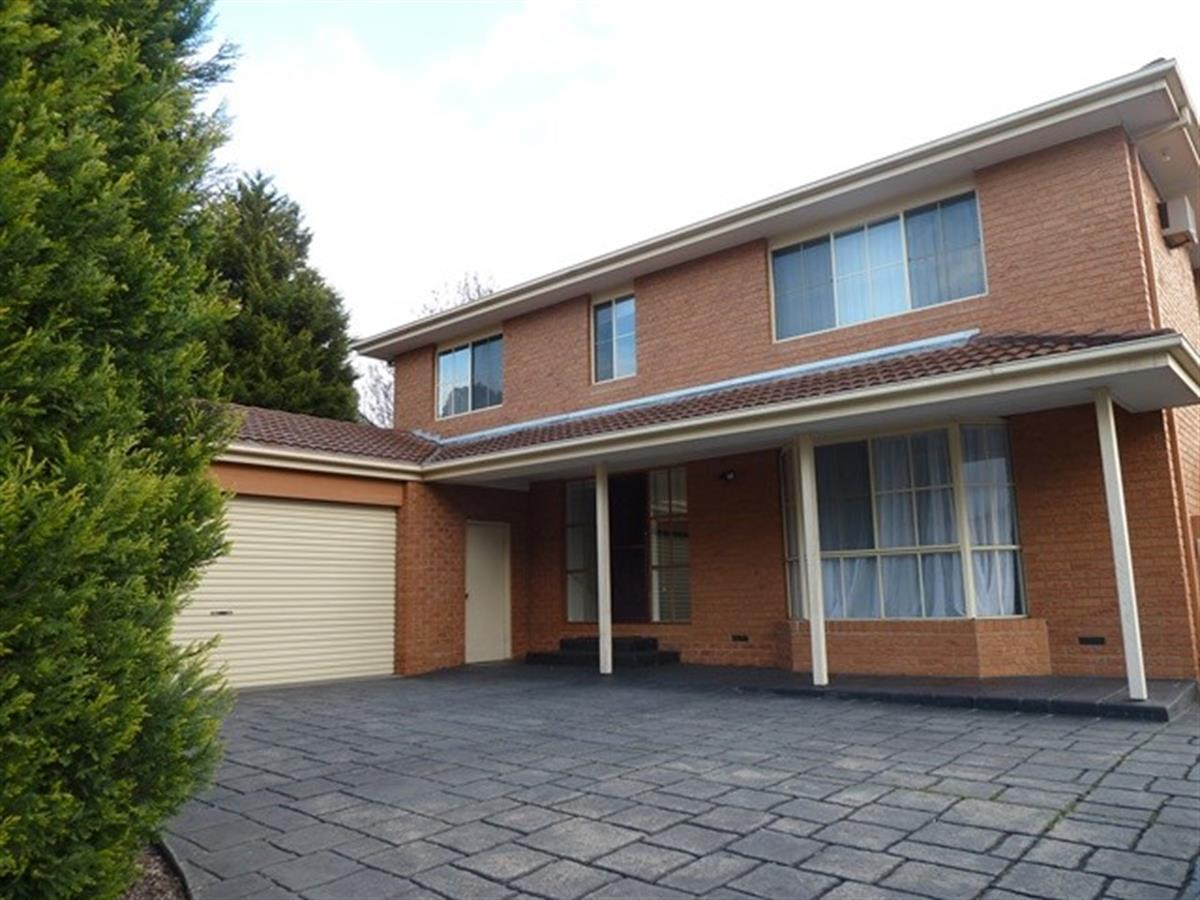 18-st-lawrance-way-rowville-3178-vic
