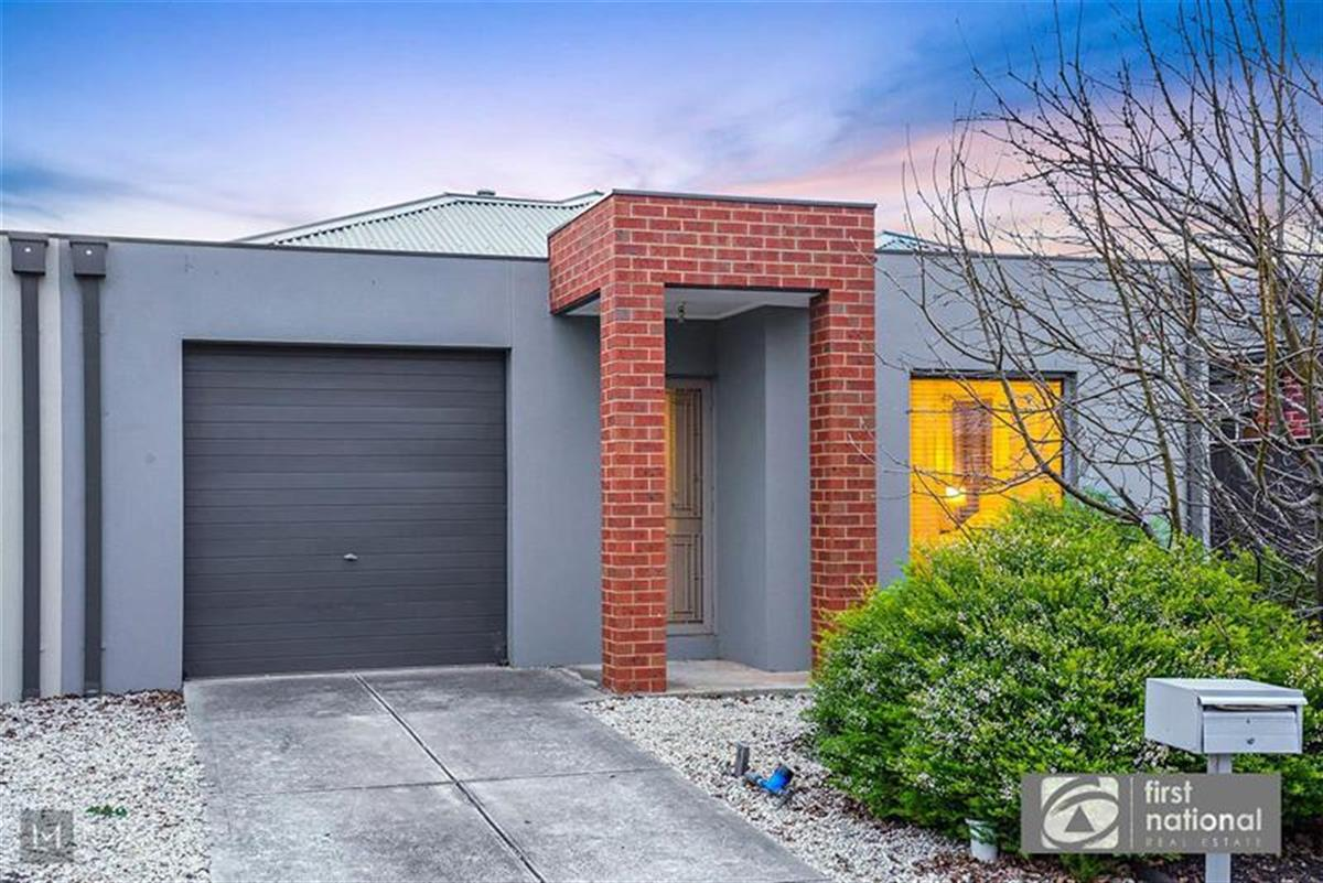 439-astley-crescent-point-cook-3030-vic