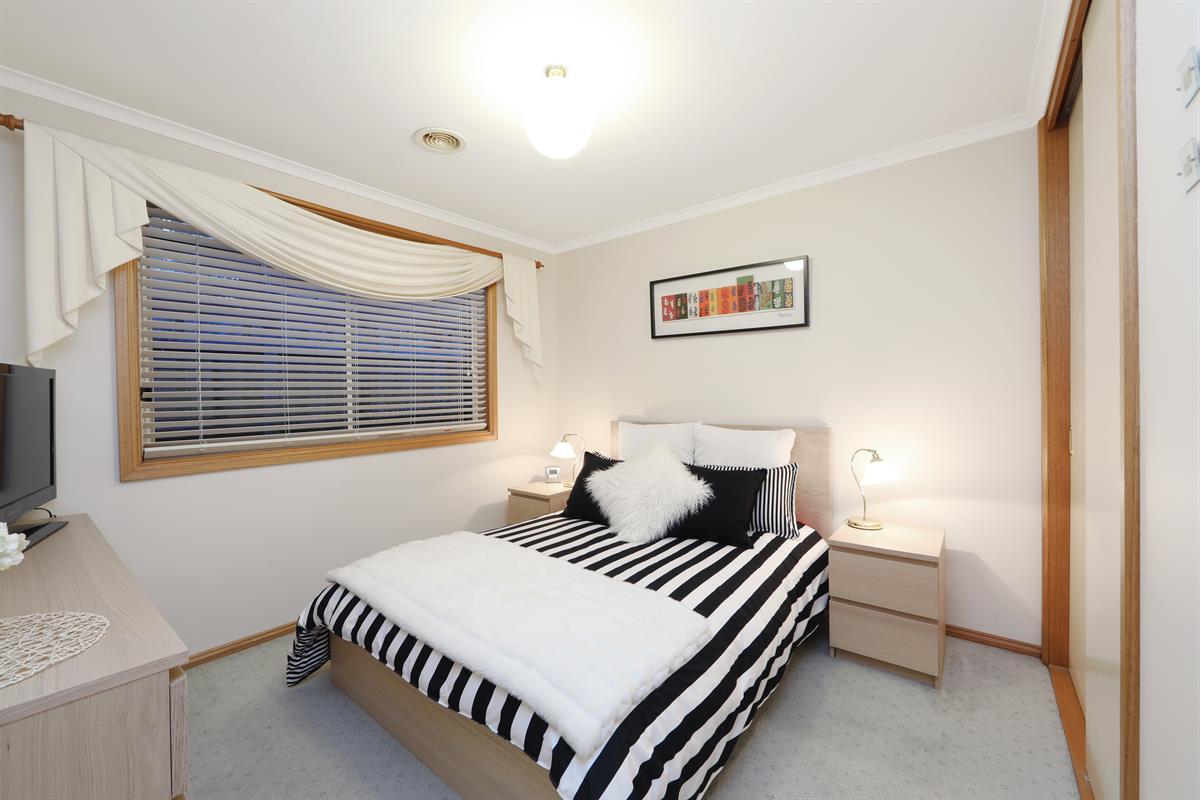 Bedroom Floor Ly