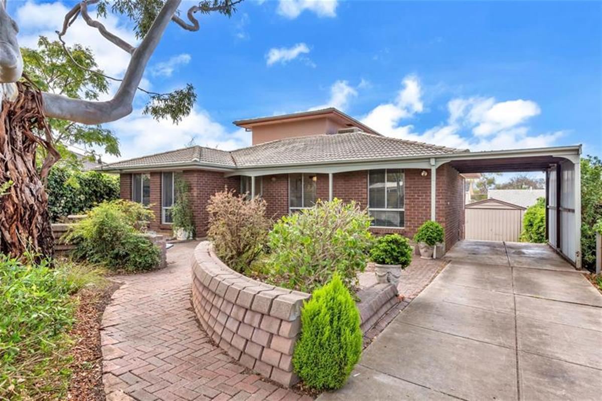 15-canberra-crescent-valley-view-5093-sa