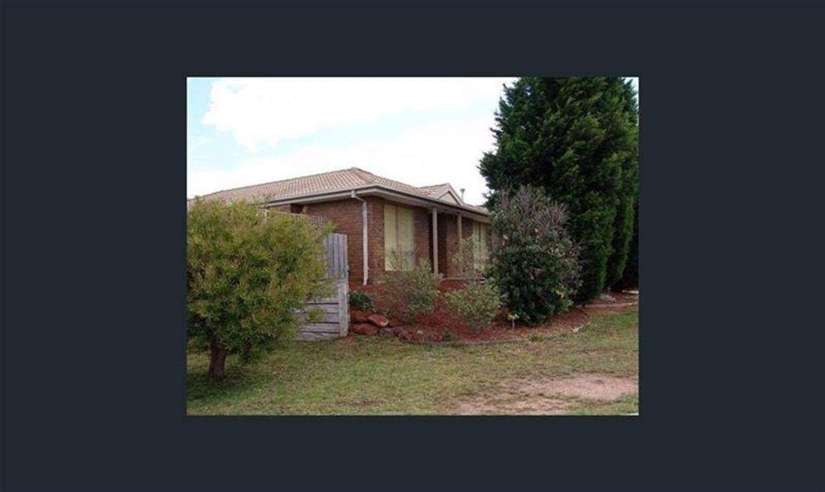 13-clematis-court-meadow-heights-3048-vic