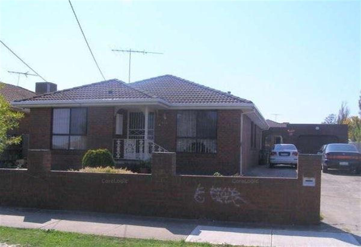 135-rokewood-crescent-meadow-heights-3048-vic