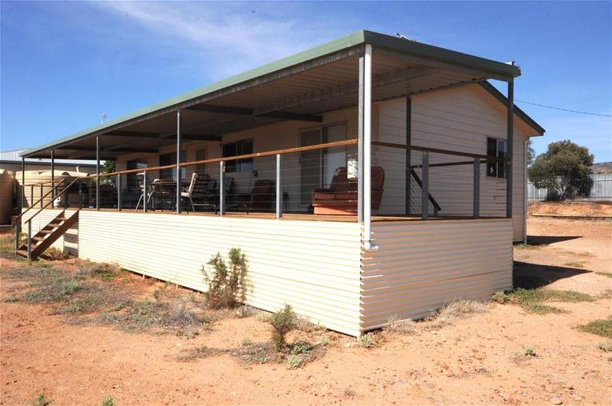 1-greenfield-court-commissariat-point-5710-sa