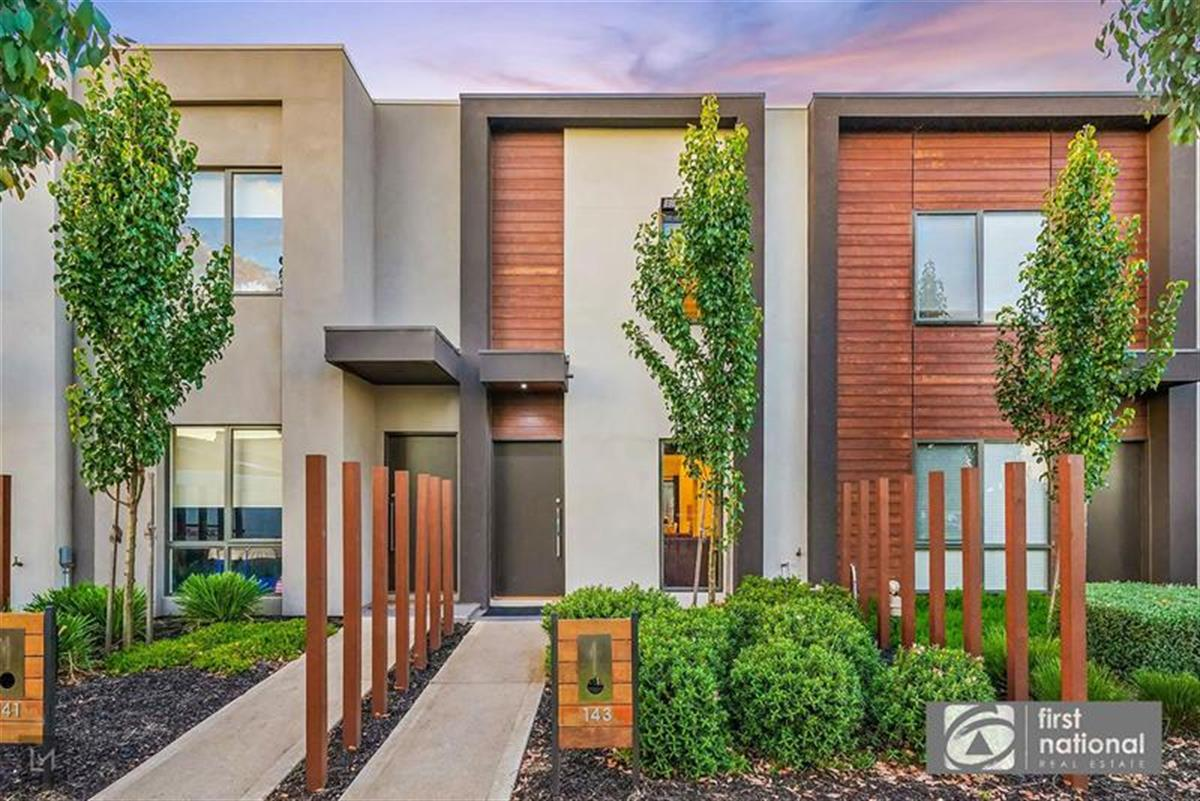 143-campaspe-way-point-cook-3030-vic