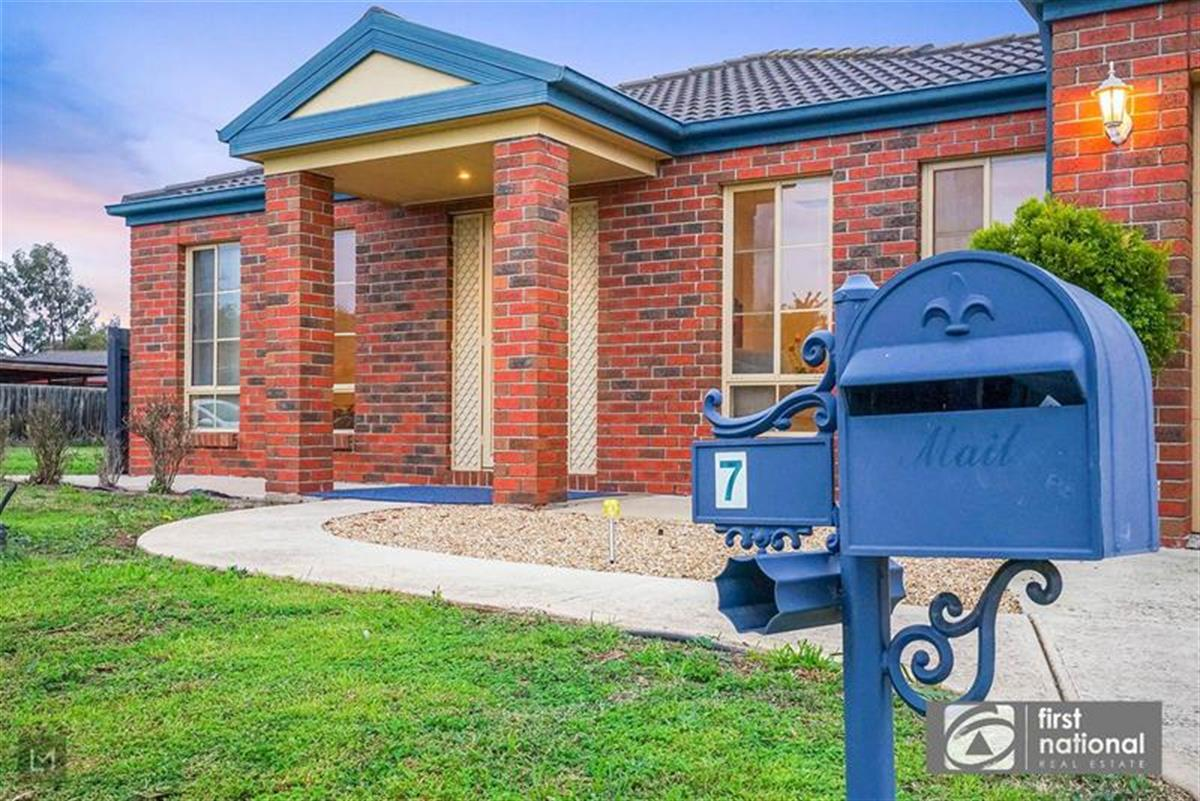 no-7-millstream-avenue-point-cook-3030-vic