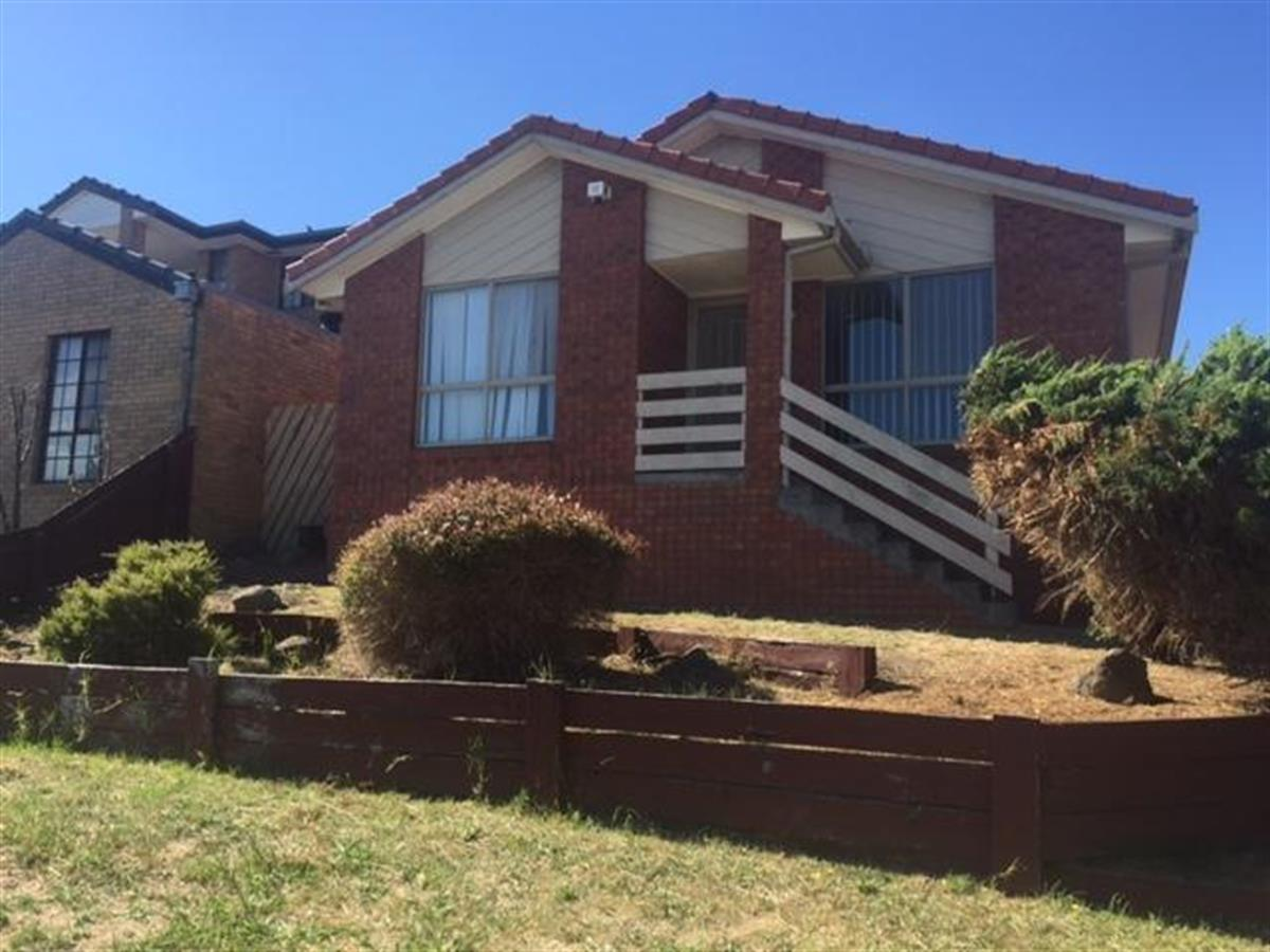 141-lightwood-crescent-meadow-heights-3048-vic