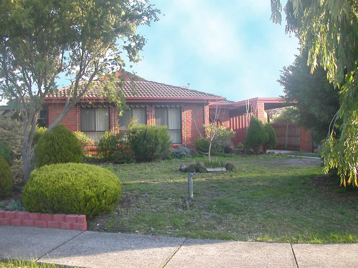 9-moss-court-rowville-3178-vic