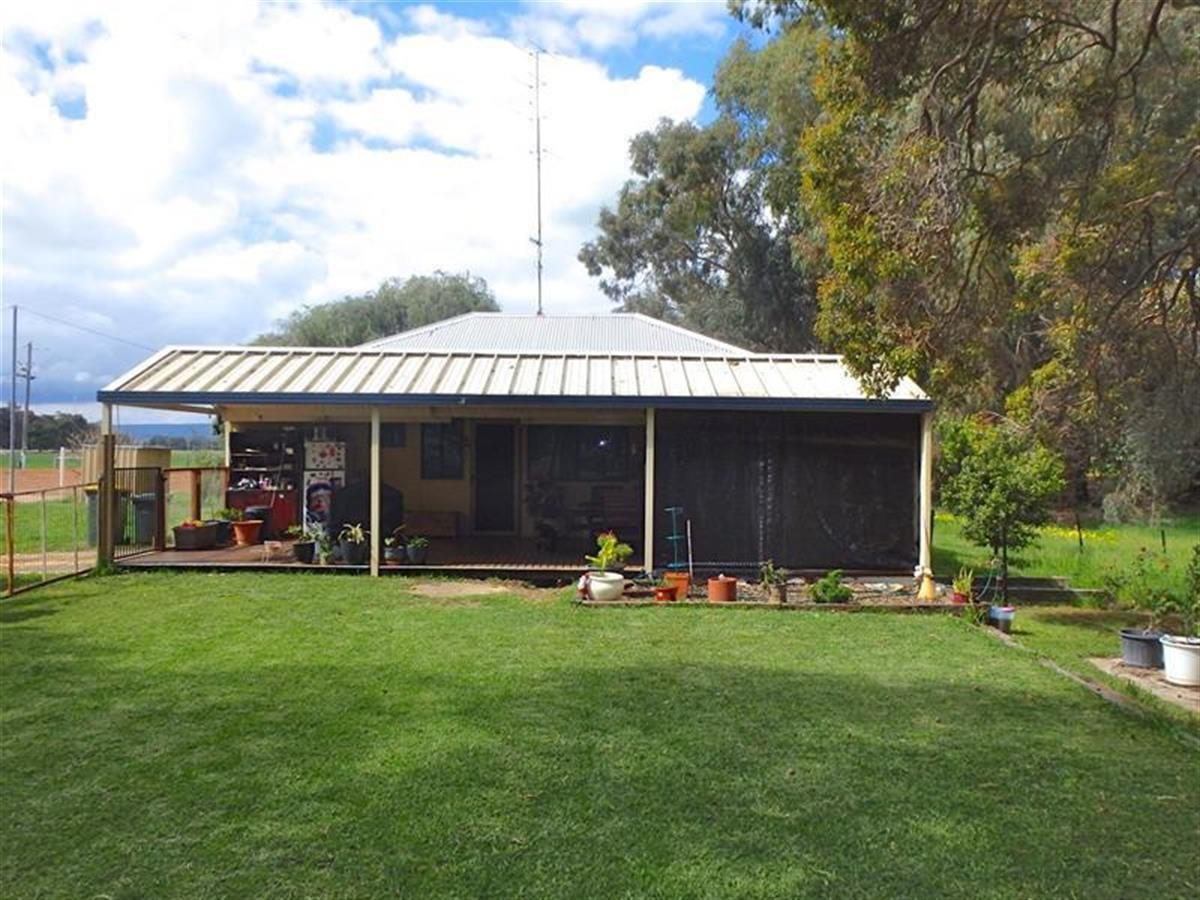 7098-south-west-highway-coolup-6214-wa