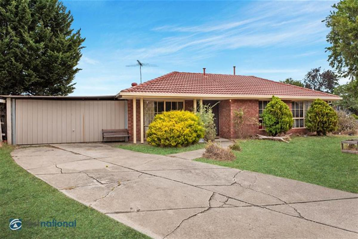 11-linton-way-meadow-heights-3048-vic