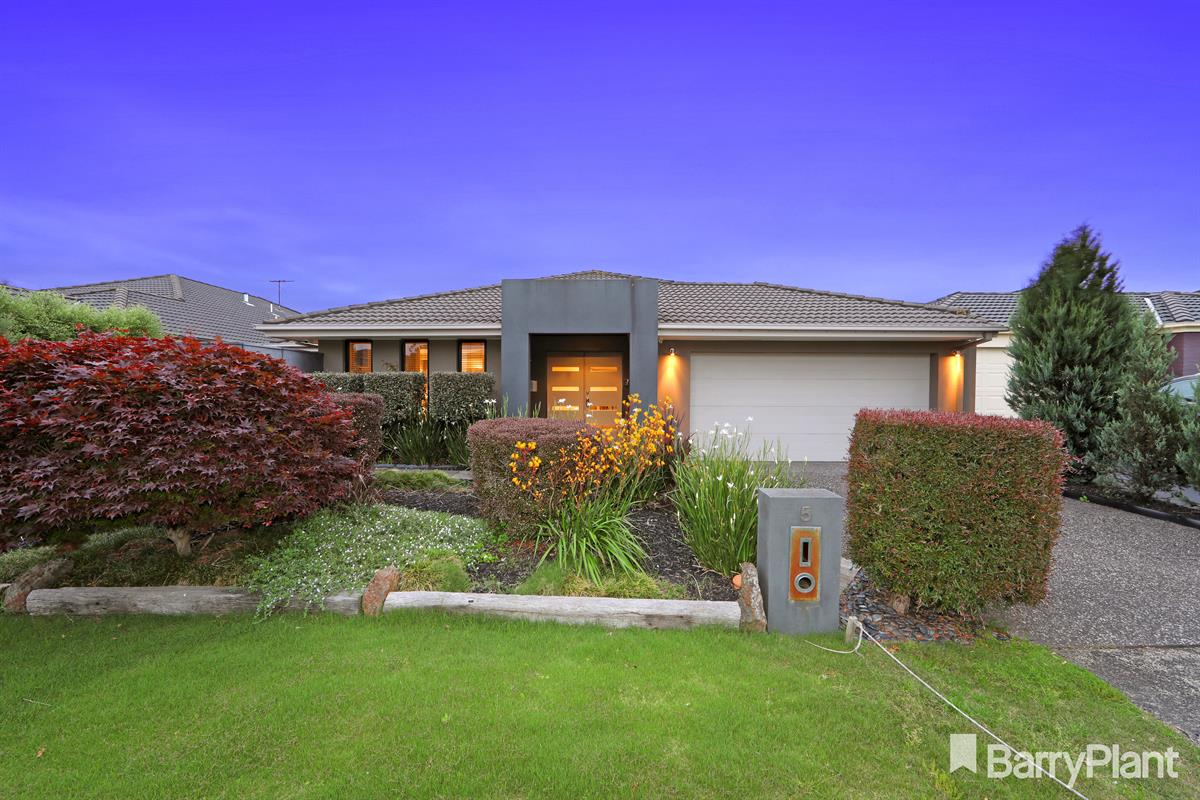 5-banyalla-place-rowville-3178-vic