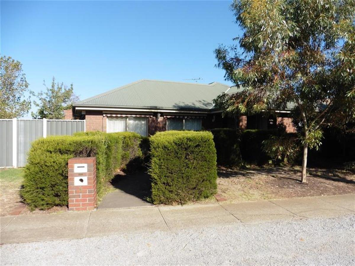 1-parkview-close-hoppers-crossing-3029-vic