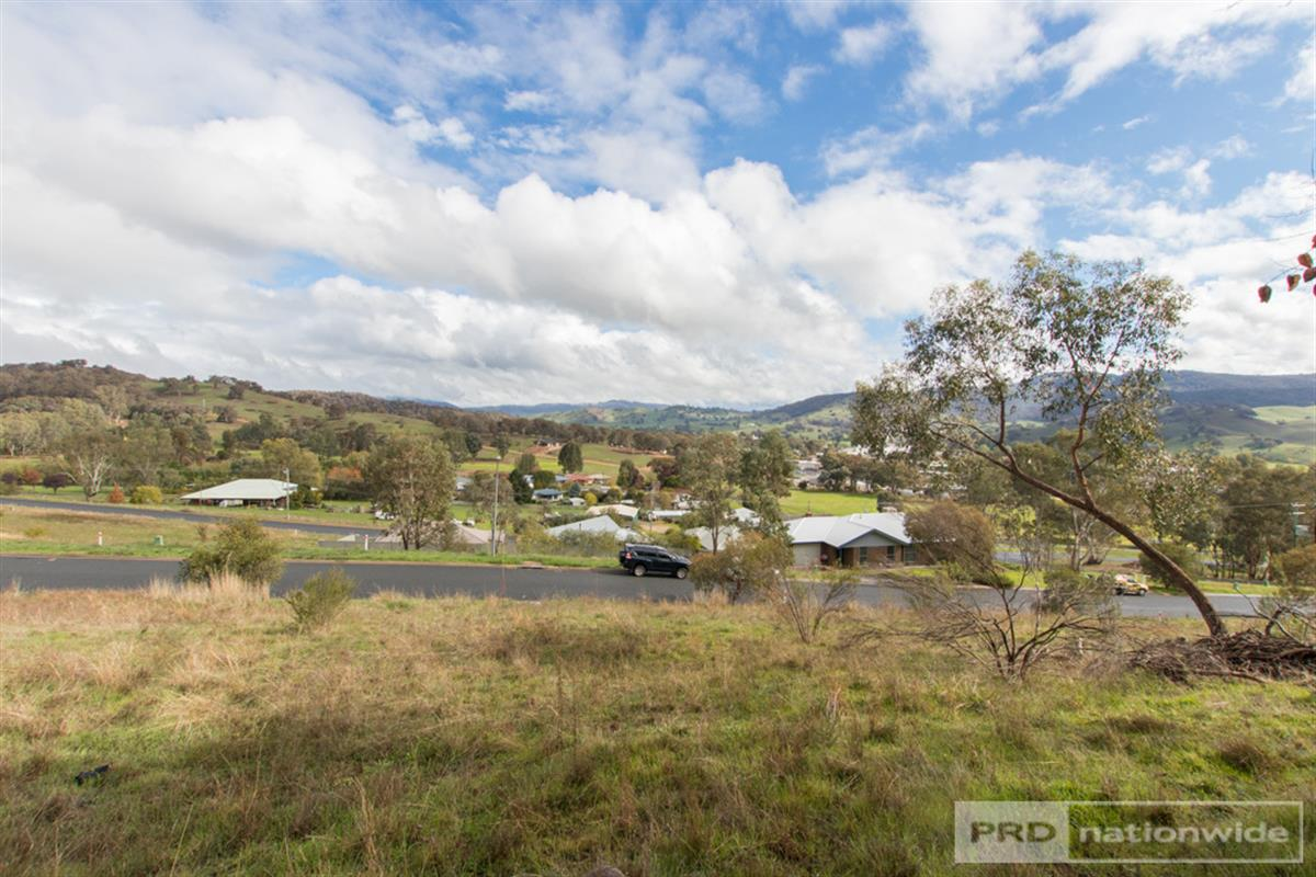 7-and-9-eberlin-place-tumut-2720