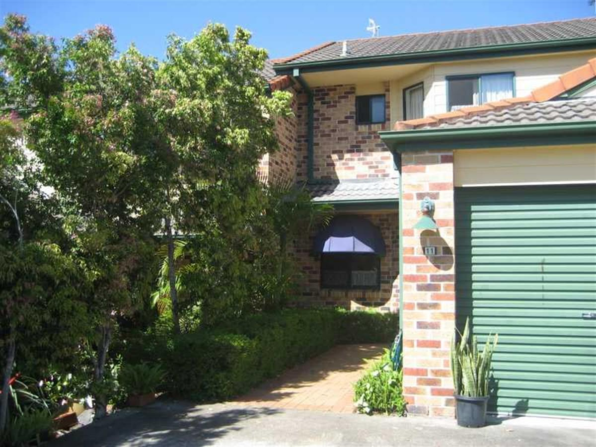1119-doyalson-place-helensvale-4212