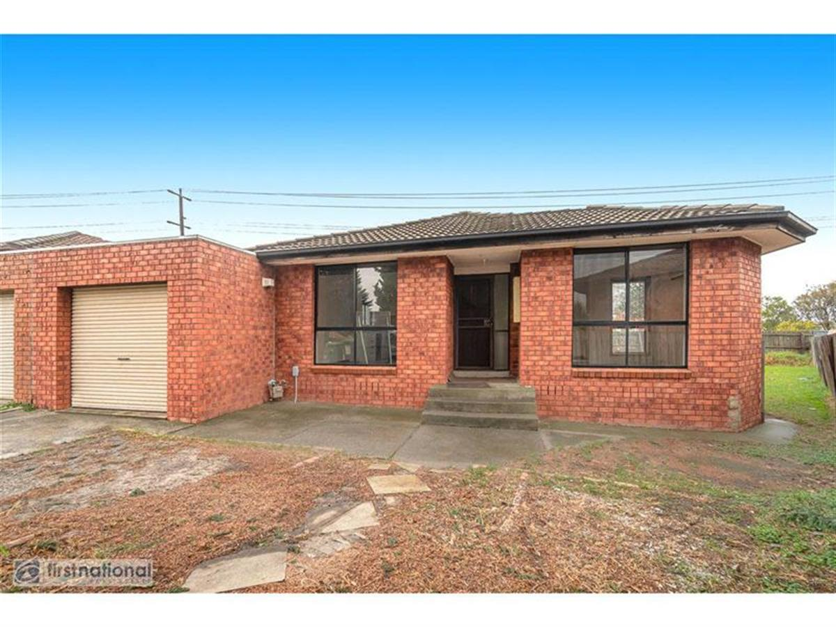 118-woods-close-meadow-heights-3048-vic