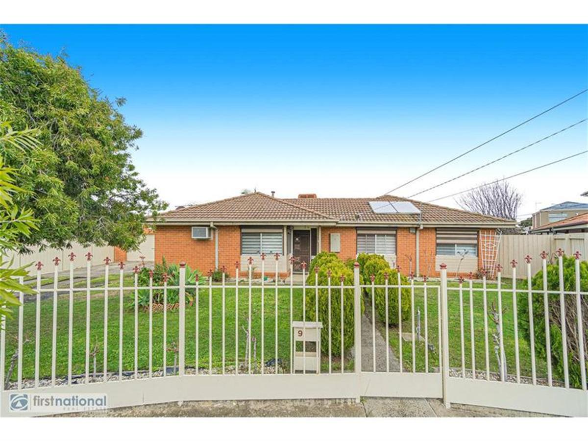 9-home-wood-crescent-meadow-heights-3048-vic