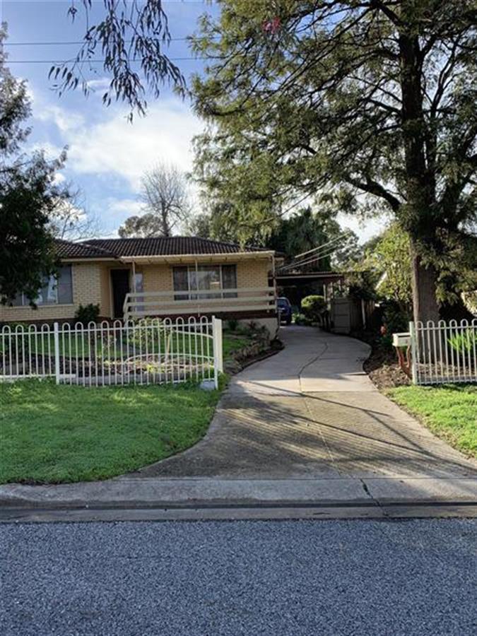 3-derwent-crescent-banksia-park-5091-sa