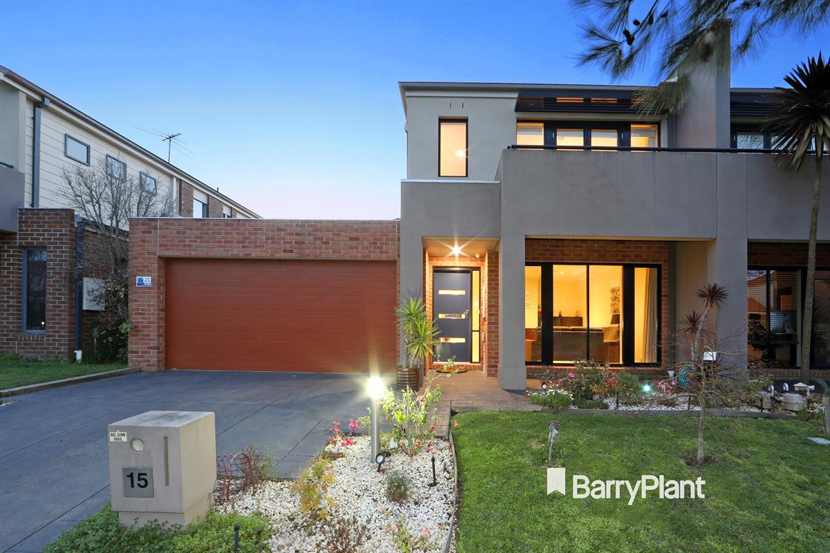 15-monbulk-crescent-rowville-3178-vic
