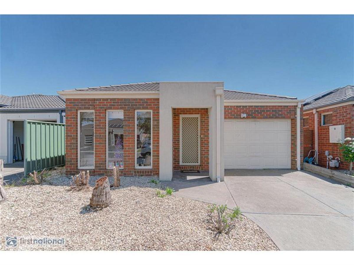 31-chelsworth-loop-craigieburn-3064-vic