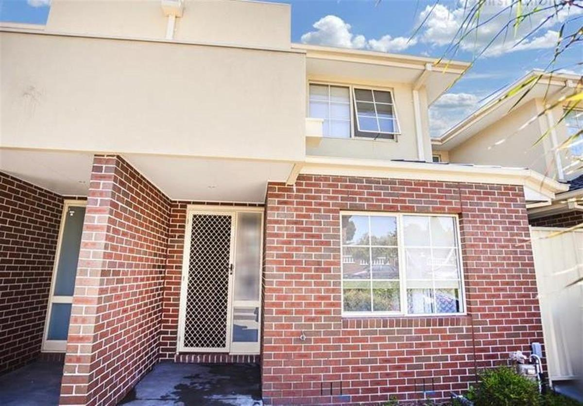 329-31-ashleigh-crescent-meadow-heights-3048-vic
