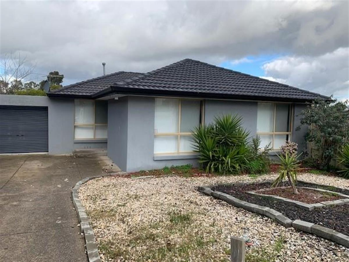 4-rocklands-rise-meadow-heights-3048-vic